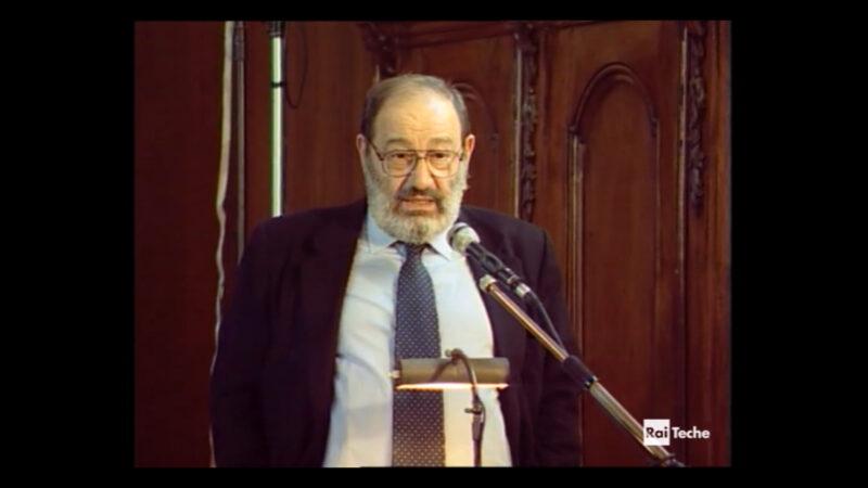 """Umberto Eco: """"E' la fine dei libri?"""""""