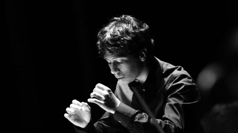Michele Gamba: respirare con l'orchestra